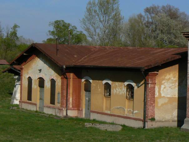 Detail čerpacia stanica Patince – pohľad od cesty