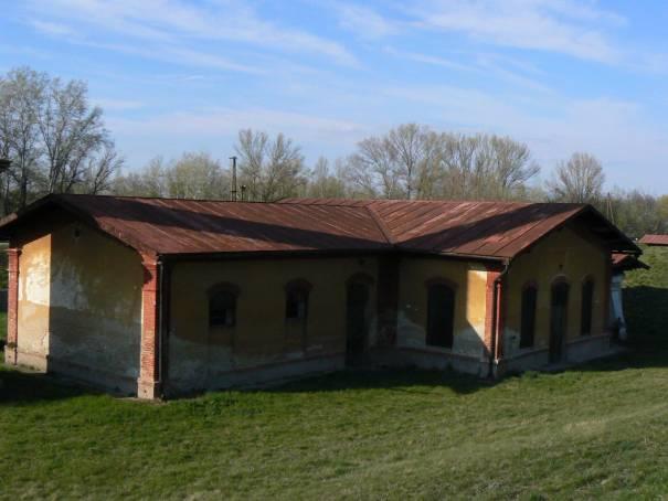 Čerpacia stanica Patince – pohľad z hrádze