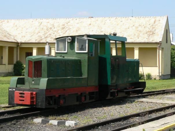 dvojica lokomotív BN